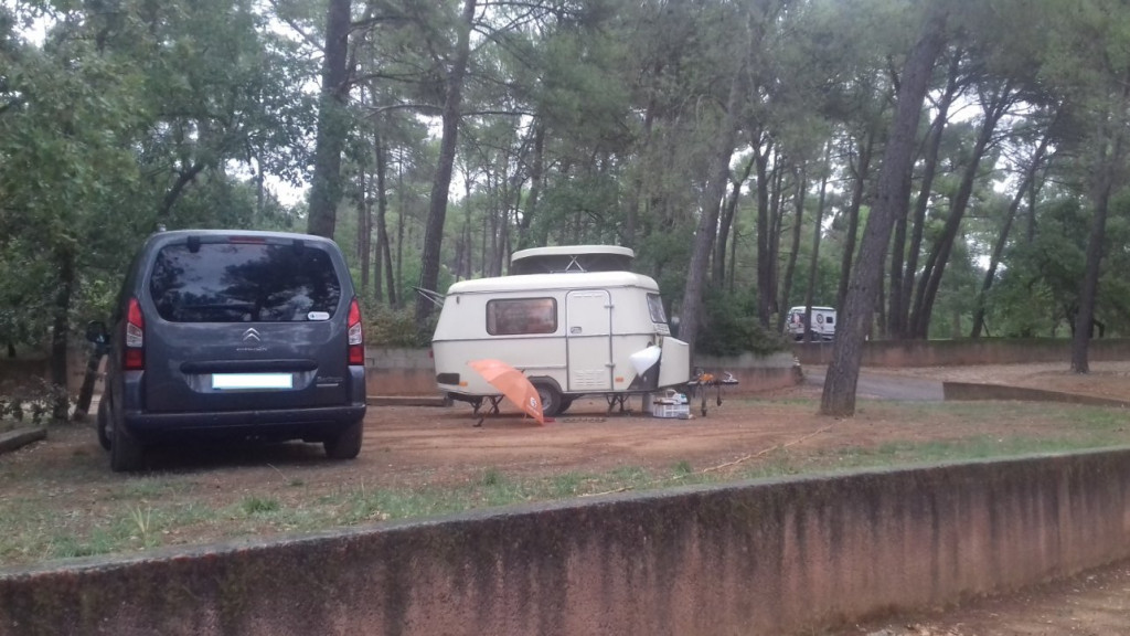 127 Camping Roussillon.jpg
