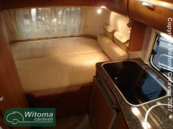 Eriba-Touring-GoldEdition-310vastbed.JPG